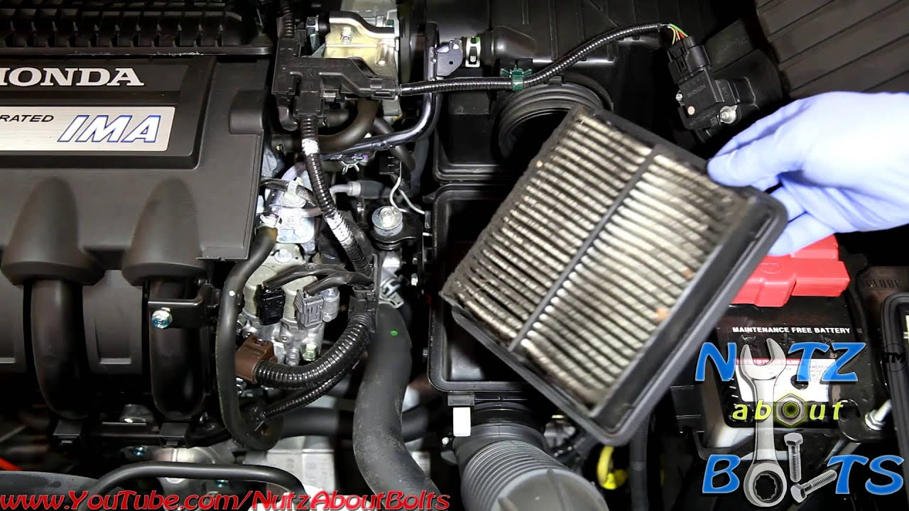 2010 2014 Honda Insight Engine Air Filter Remove And Install Youtube