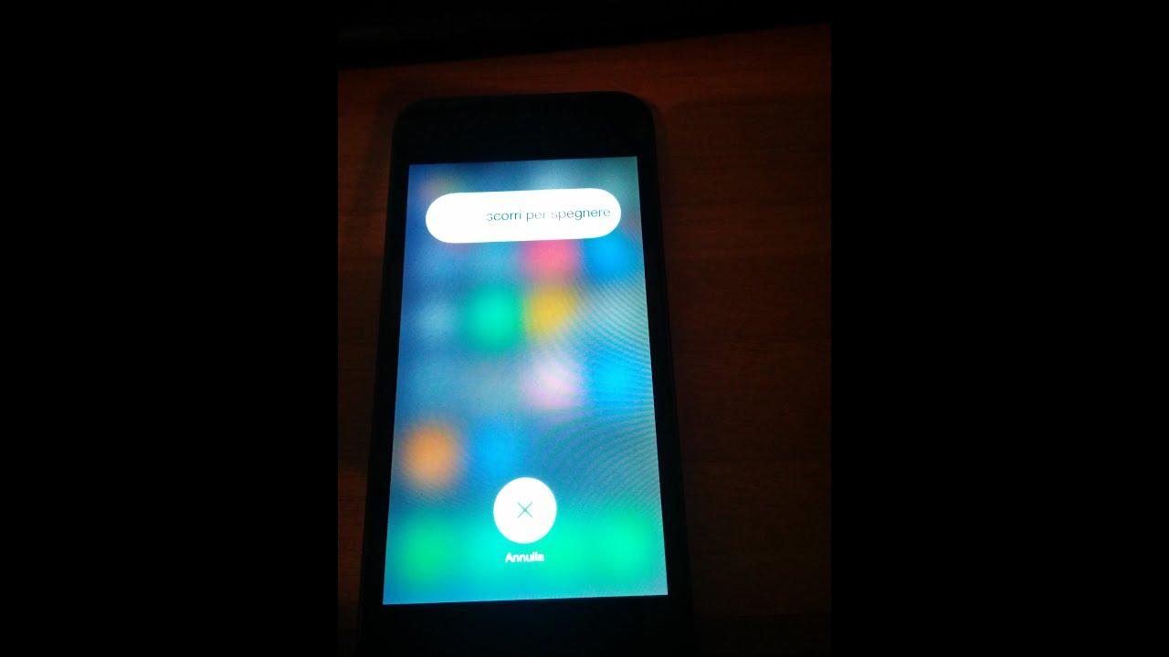 Combinazioni di tasti per spegnere iPhone senza touch