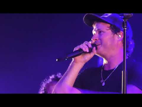 Angels & Airwaves 9.22.19 St. Louis  Story Time With Tom And Ilan