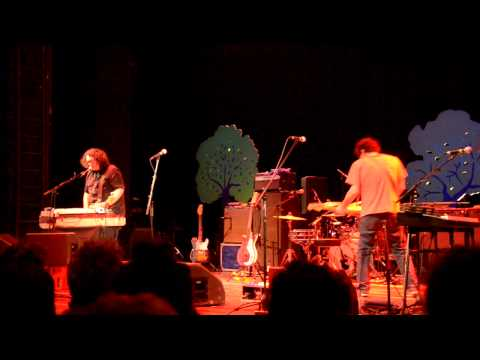 Yo La Tengo - Paddle Forward (live at Volksbühne in Berlin)