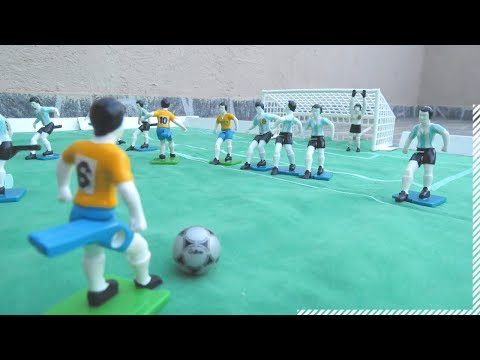 Football Gulliver - Soccer toys - Similar Subbuteo - button - Brazil vs Argentina Game