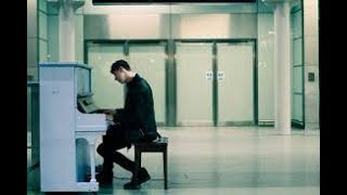 Dan Howell The Pianist