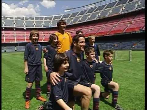 FC BARCELONA - GIOVANNI VAN BRONCKHORST & BELETTI SOCCER LESSONS (2/3)