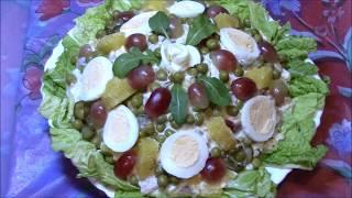 Шикарная закуска для праздничного стола - Столичный салат с виноградом и апельсином.