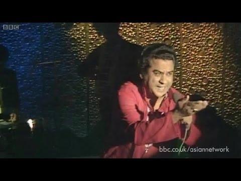 Kishore Kumar Live at BBC: Chingari Koi Bhadke -  Amar Prem