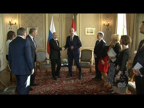 Vladimir Putin meets with Swiss President after US summit |