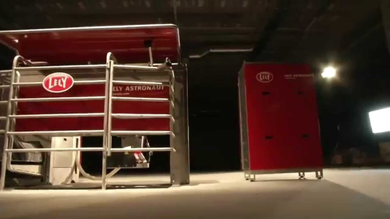 Lely Astronaut A4 - Milking robot highlights (Finnish)