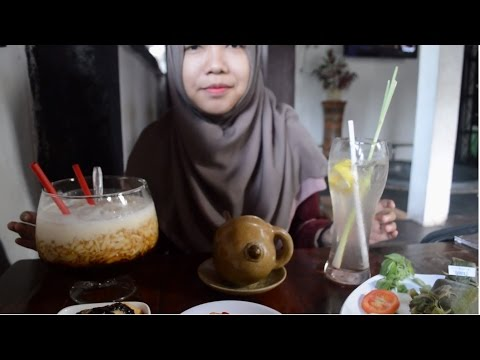 Halal Food Traveler - Season 1 #1 (House of Raminten - Yogyakarta) Indonesian Food