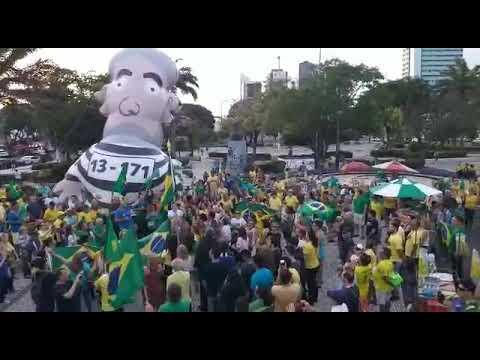 Protesto contra STF em Natal tem boneco de Lula presidiário