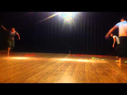 Múa lụa - Ribbon Dance - Huyen - Nhung - Binh.MOV