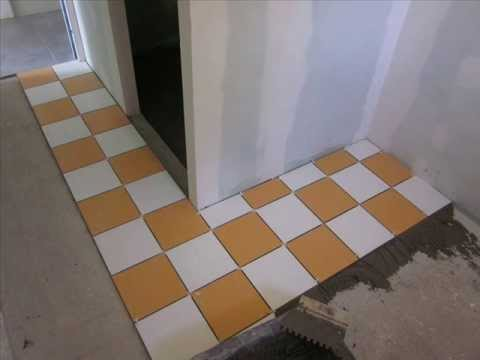 Pose carrelage salle de bain youtube for Pose carrelage salle de bain