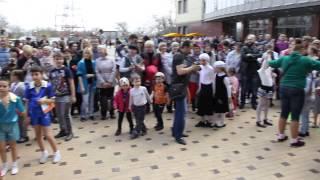 Пасхальный детский хоровод в Донецке -2015 год(, 2015-04-15T13:53:12.000Z)