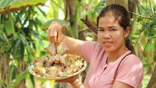 Amazing Cooking BBQ Frogs With Pork Delicious -  Frogs Recipes  -  Village Food Factory