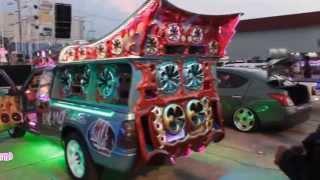 Repeat youtube video รุ่งเรือง คาร์ออดิโอ - 34 ปีนิตยสารรถ ช่วยน้ำท่วมที่ไทวัสดุมีนบุรี