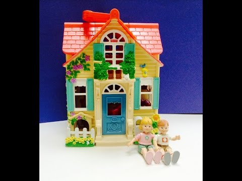 Fisher Price Sweet Streets Family Pink Take Along Doll House