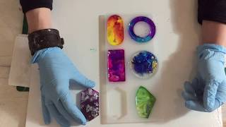 13. Maken van Epoxy hangers. (Making of Resin Pendants)