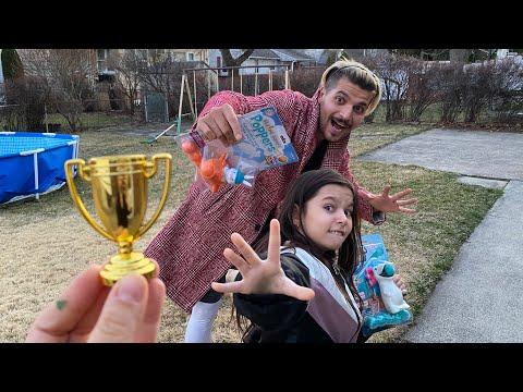 Deniz Ve Babası Madalya Yarışı Yaptı   Yarışları Kazan Madalyayı Kap   Eğlenceli Çocuk Videosu