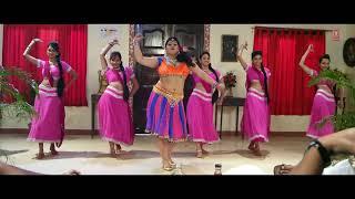 Download Hindi Video Songs - Bhataar Fevicol Milala Ba [ Hot Item Dance Video ] Saiyan Ji Dilwa Mangelein - Full Video