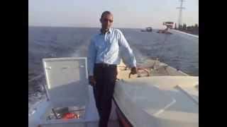 هانى عبد الرحمن على احد اللنشات فى طريقه الى قناة السويس الجديدة