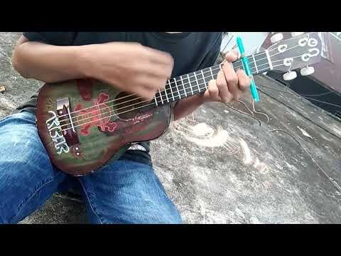Nike Ardilla bintang kehidupan,  versi ukulele