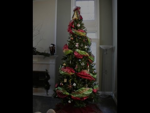 How To Put Ribbon On Christmas Tree.How To Decorate The Perfect Christmas Tree Using Wide Ribbon Garland