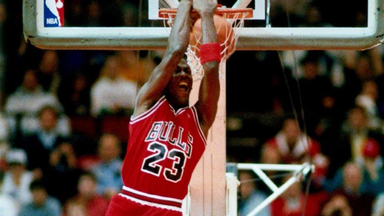 be18068dce01f9 Michael Jordan wins 1988 NBA Slam Dunk Contest over Dominique Wilkins