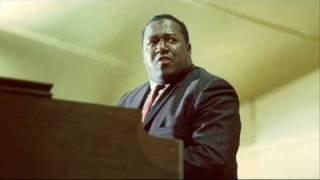 Richard Groove Holmes - Listen Here.wmv