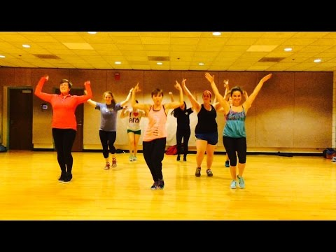 """UPTOWN FUNK"" Mark Ronson ft Bruno Mars - Dance Fitness Workout Choreography Valeo Club"