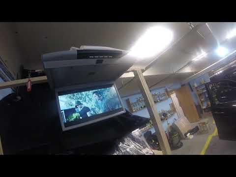 Что умеет новый потолочный монитор Ergo с Андроидом?