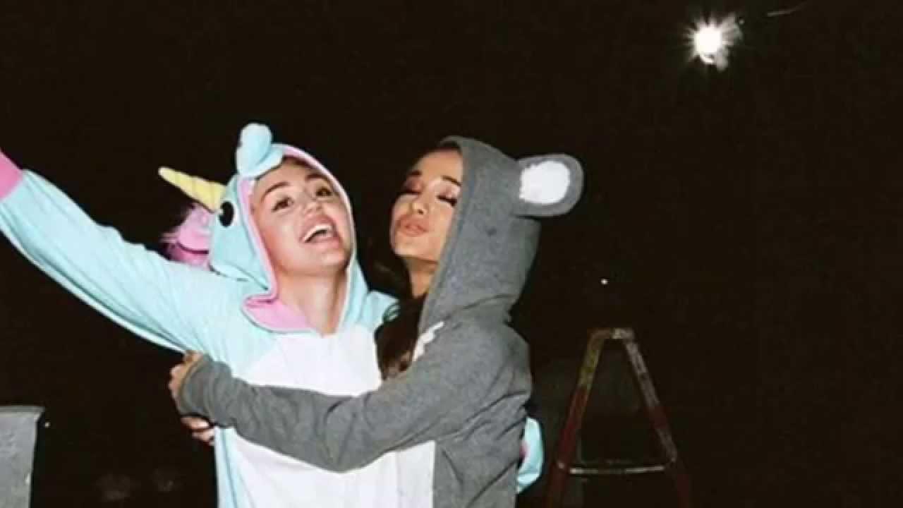 Miley Cyrus & Ariana Grande - Don't Dream It's Over ...