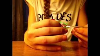 """Плетение """"два кольца"""" из резинок. Урок 1"""