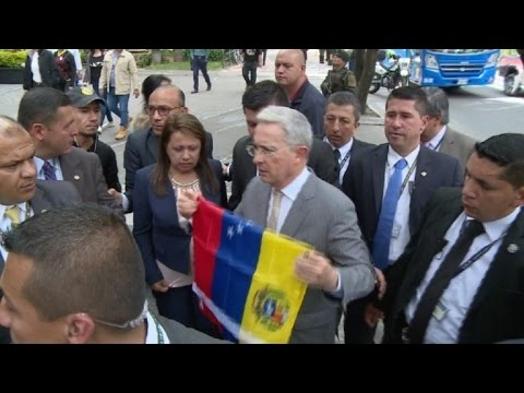 Uribe a ejército de Venezuela: desoigan mandato de la dictadura