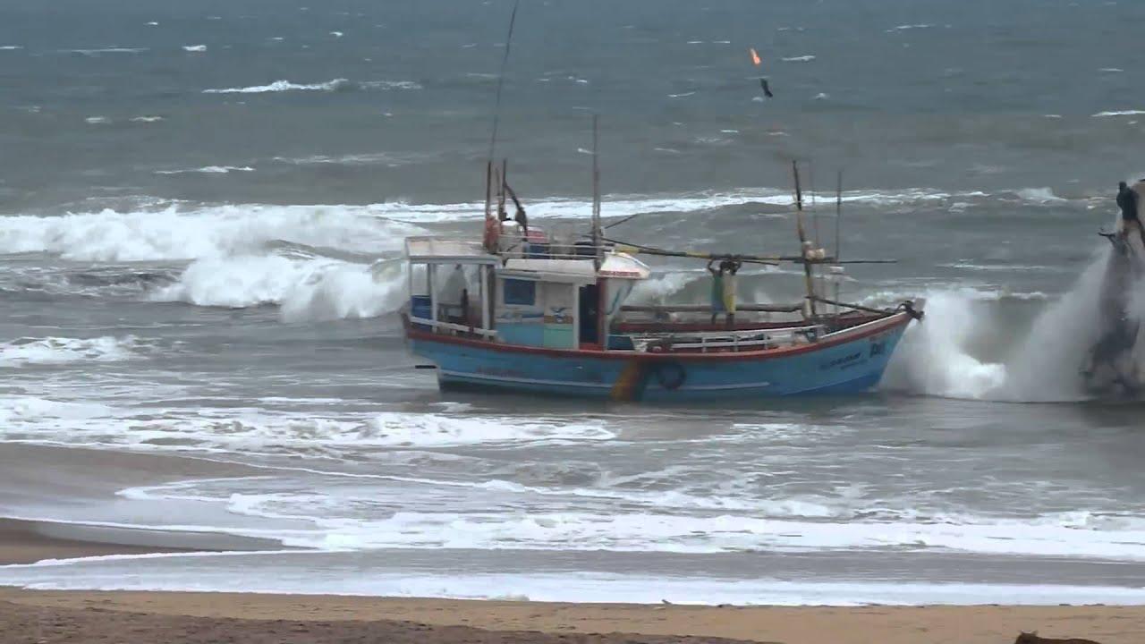 Fishing boat wreckin hambantota sri lanka youtube for Sri lanka fishing