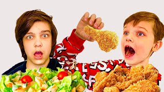 Андрей и Ваня играют в школу и едят вредную еду Pretend Play School & Eat not Healthy food