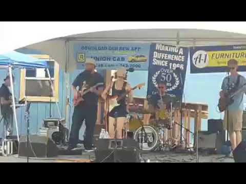 Raine Stern Band snippet - Eken Park Music Festival - 8/18/18