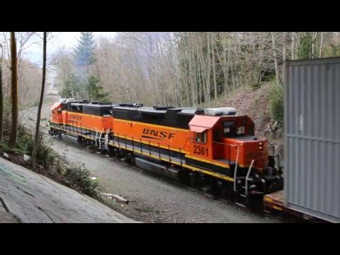 Boeing Train Climbs Steep Grade to Everett Plant
