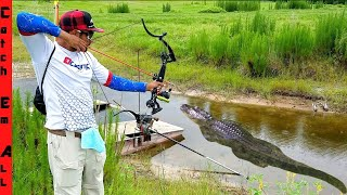 BOWFISHING for Big GATORS!