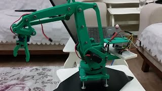 How to Build a Robot at Home with Pictures - wikiHow