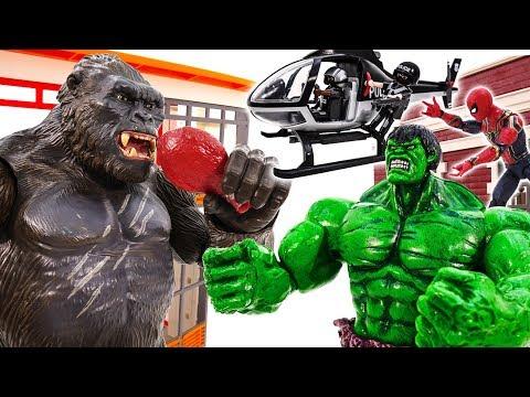 KING KONG Attack CITY!!! SUPERHERO HULK HULKBUSTER vs KING KONG TOY BATTLE #TOYSPLAYTIME