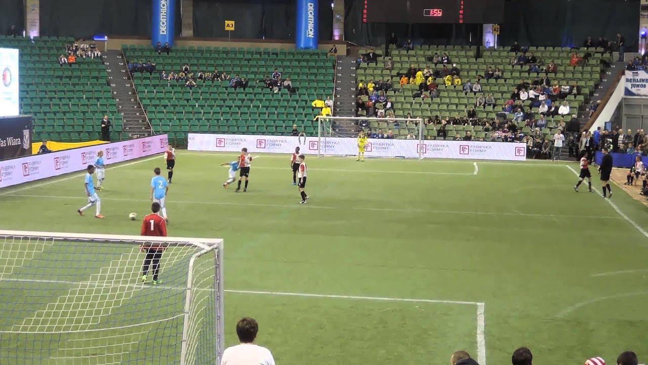 Olympique Marseille O12 vs Feyenoord O12 deel 2 op 8 dec ...