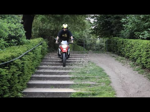 BMW G310 GS: Review in London!