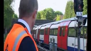 The Tube - The Train Set Pt 1 (Series 3 Episode 7)