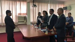 Baixar Felicitaciones por parte del Tribunal Examinador al Flamante Master