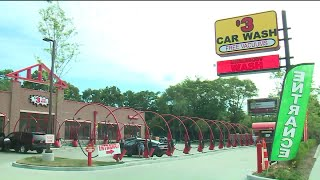 Employee fatally crushed in accident at Northwest Side car wash