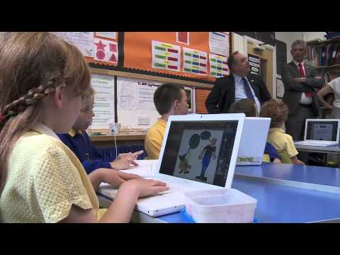 First Minister visits Manx language school