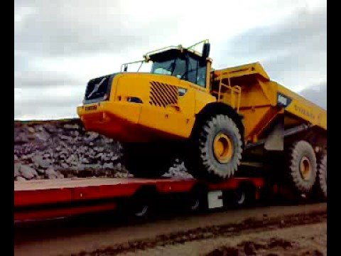 Volvo A40D - YouTube