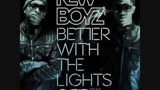 New Boyz Better With The Lights Off feat. Chris Brown
