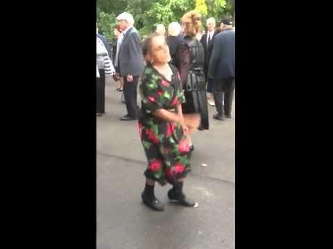 Танцует пьяная женщина смотреть видео прикол - 4:25