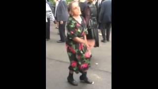 """""""Прикольная Бабушка танцует""""-Смотреть всем."""