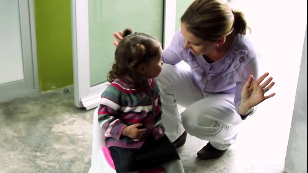 Ir Al Baño Lo Normal:Cómo enseñarle a mi niña a ir al baño? – Babypants – YouTube